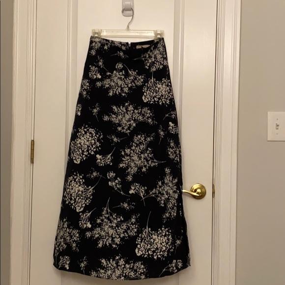 Banana Republic Dresses & Skirts - Banana republic black maxi skirt